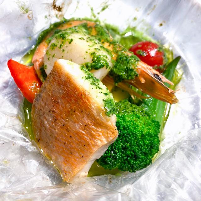 お魚:金目鯛とホタテのカルトッチョ